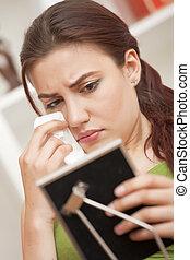 keret, woman sír