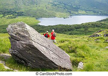 kerry way big rock with hikers