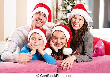 kerstmis, gezin, met, kids., gelukkig glimlachen, ouders,...
