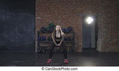 kettlebell, balance, athlète, femme