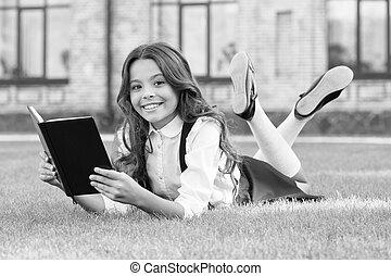 kevés, dreamer., dream., boldog, -e, kipiheni magát, grass., álmodik, olvas, zöld, elér, book., leány, könyv, gyermek, big., felolvasás, think., create., learn., kicsi, nagy