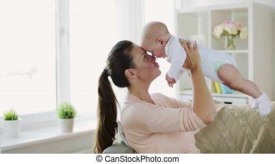 kevés, fiatal, anya, csecsemő, otthon, boldog