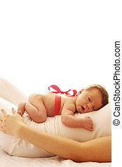 kevés, newborn csecsemő, csinos, egy, anyu, fekvő, övé