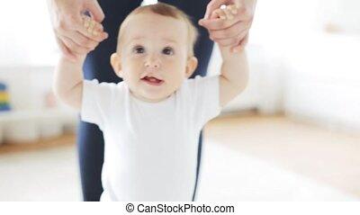 kevés, segítség, gyalogló, anya, csecsemő, otthon, boldog
