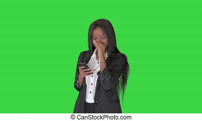 key., chroma, femme, téléphone, africaine, texting, rire, vert, américain, elle, écran