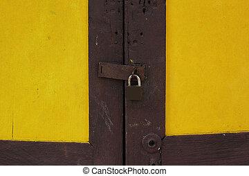 Key lock gates.