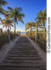 Key West beach - passage to the beach - Key West