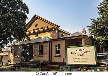 Kiama Historic Court House - Facade of the Court House, ...