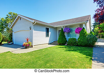 kicsi, fehér ház, noha, flowers.