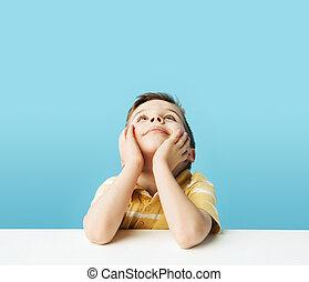 kicsi, fiú, plafon, figyelmes, bámuló