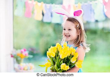 kicsi lány, alatt, nyuszi fül, képben látható, easter pete keres