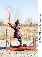 kicsi lány, képben látható, egy, edző, külső