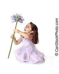 kicsi lány, leállító, fonás, gyönyörködtet, virág, nagy