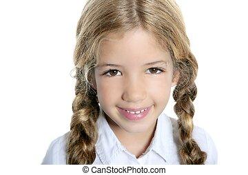 kicsi lány, szőke, mosolygós