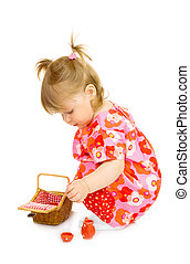 kicsi, mosolyog csecsemő, alatt, piros ruha, noha, játékszer, kosár