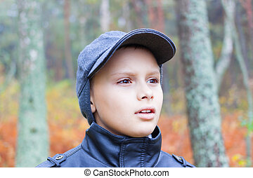 kid fear face forest fall portrait outdoor