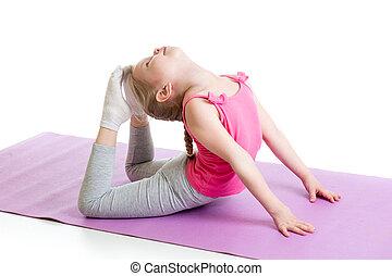 kid girl doing gymnastics