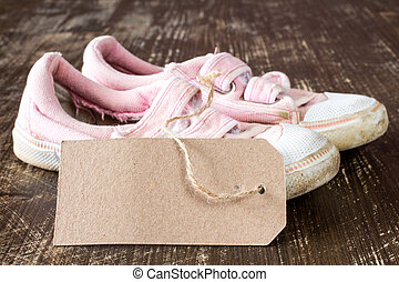 Kids canvas shoes with blank tag