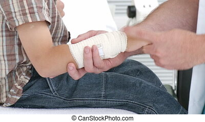 kid\'s, examiner, mâle, poignet, docteur