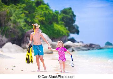 kids, playing, на, , пляж