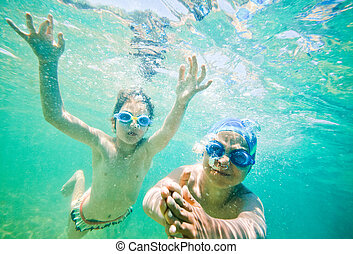 kids sea underwater