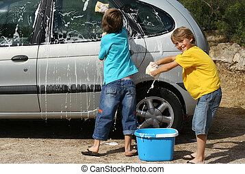kids washing car doing chores,