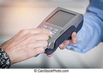 kiegyenlít, noha, hitel, vagy, debit kártya