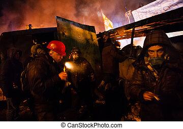 kiev, ウクライナ, 24, anti-government, st. 。, 中心, 嵐, 2014:, protests, 準備, ウクライナ, 1 月, 固まり, 政府, 戦士, 人気が高い, kiev., 資本, 抵抗, -, hrushevskoho, 軍隊