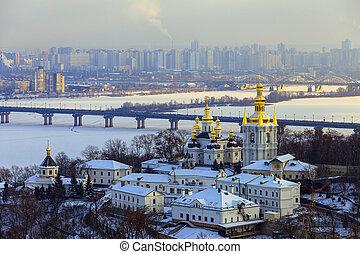 kiev-pechersk, invierno, lavra