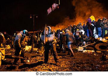 kiev, ukrainisch, 24, anti-government, str., zentrieren, sturm, 2014:, protests, vorbereiten, ukraine, januar, masse, regierung, krieger, populär, kiev., hauptstadt, widerstand, -, hrushevskoho, truppen
