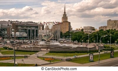 Kievsky Railway Station Square fountain, zoom, pan 4k time lapse.