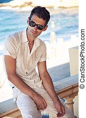 kifáraszt sunglasses, szünidő, pasas, nap, jelentékeny