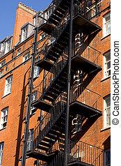 kijárat, szükséghelyzet, lépcsőház