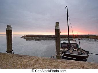 kikötő, és, csónakázik, képben látható, egy, hideg, nap, alatt, tél