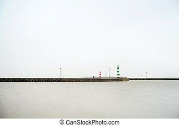 kikötő, belépés