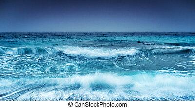 kilátás a tengerre, drámai, viharos