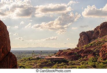 kilátás, közül, főnix madár, alapján, camelback, hegy, alatt, arizona, usa