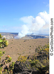 Kilauea volcano - Hawaii volcanoes National Park - crater on...