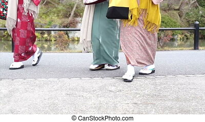 Kimono and geta Japanese costume - Japanese girls wear...