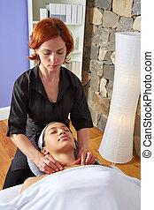 kinésithérapeute, épaules, femme, cou, masage