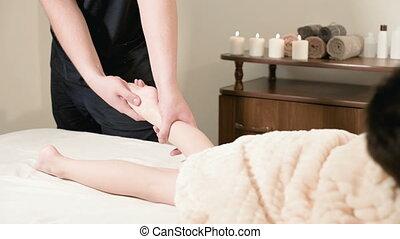 kinésithérapeute, délassant, masage, masseur, lit, petit, guérison, enfant, pied, mâle, mensonge