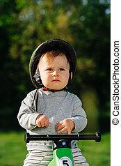 kind, fahrrad, mürrisch, fuß, sitzen, three-wheel, wenig