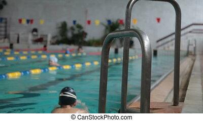 kind, in, der, schwimmbad