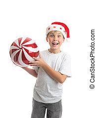kind jongen, vasthouden, bauble van kerstmis, versiering