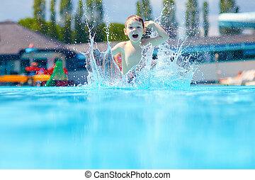Kind, Junge, springende, Teich, glücklich