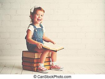 kind, klein meisje, met, boekjes
