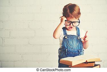 kind, klein meisje, met, bril, lezende , een, boekjes