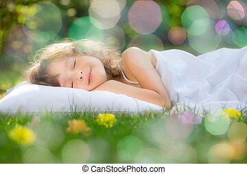 kind, slapende, in, lente, tuin