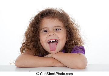 kind, stekende tong uit