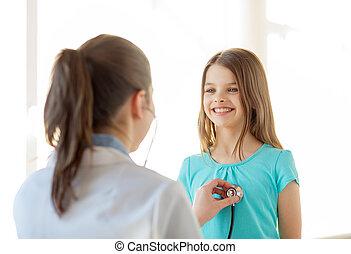 kind, stethoskop, zuhören, weiblicher doktor